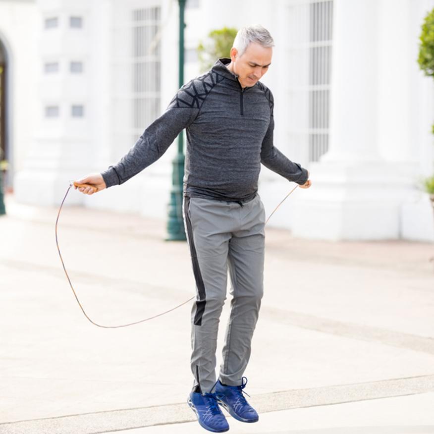 Longer Endurance – Middle-aged man jump roping